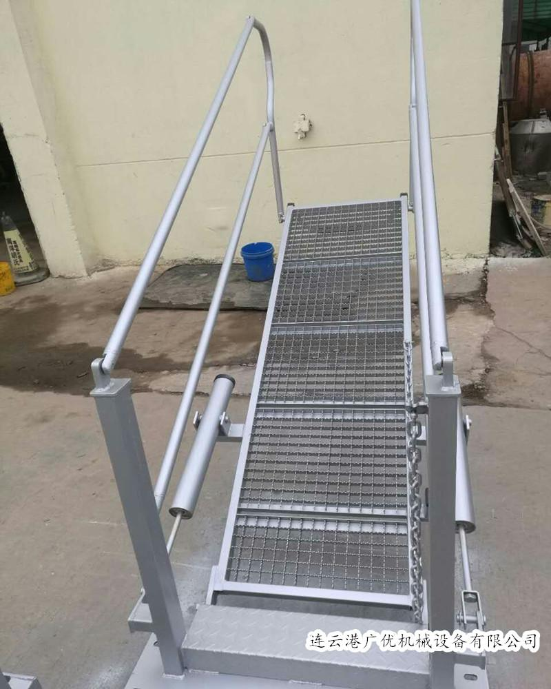 鹤管专用折叠活动梯,活动梯厂家 1