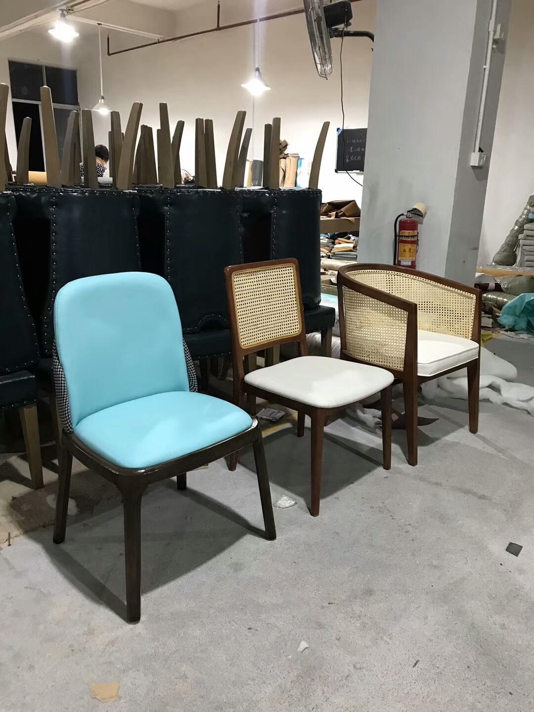 各式餐廳實木椅架防火皮革餐椅廠家訂製 1