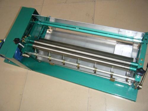 臺式裱紙膠水機 4