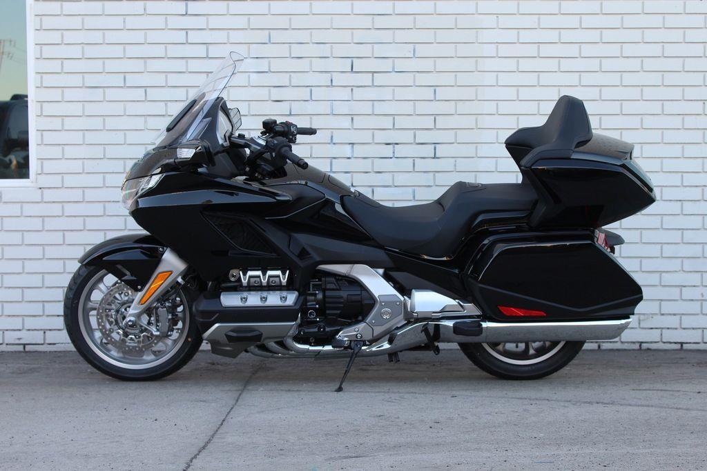 Wholesale Gold Wing Tour Automatic DCT Darkness Black Metallic Motorcycle
