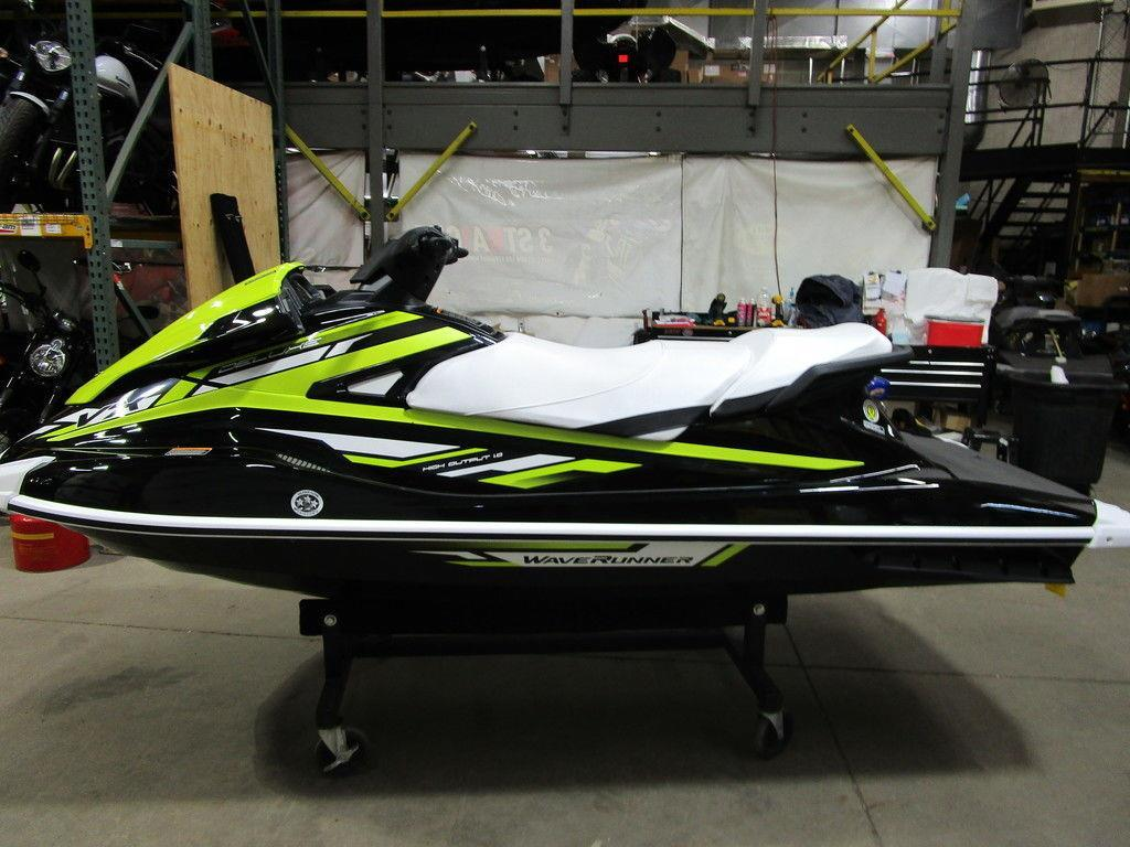 Best Selling VX Deluxe Personal Watercraft