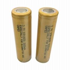 2600mAh 3.7V 18650锂铁可充电电池   电池