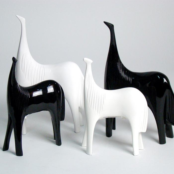 home decoration white and black horse table decoration resin decoration 3