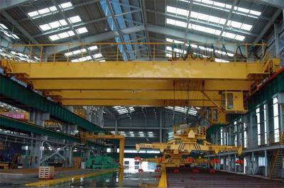 25噸下旋轉伸縮挂梁電磁橋式起重機 2
