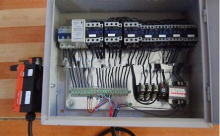 礦源牌KSKYDK5-8型端梁大車控制箱 1