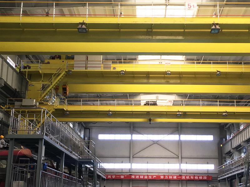 新型電動吊鉤橋式起重機 2