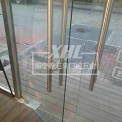 南寧鋼化玻璃門安裝