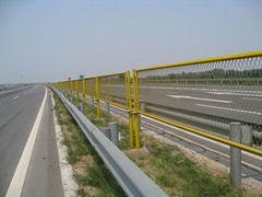鐵絲網圍欄-DH212型高速公路護欄網