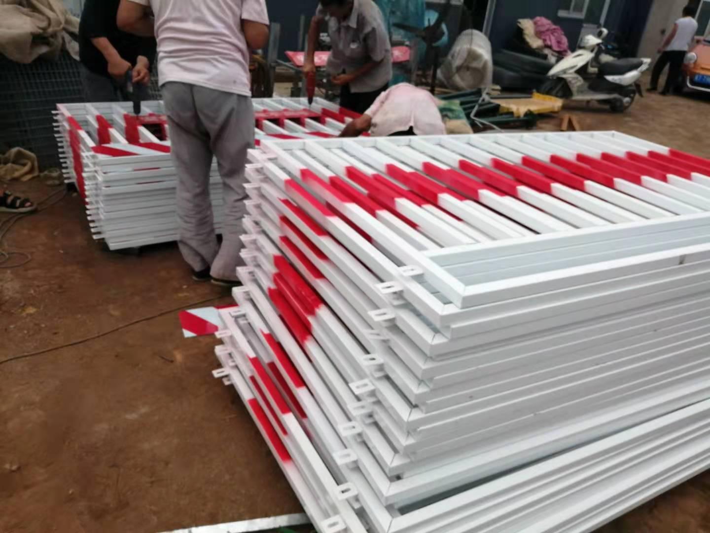 生產中的DH216型深圳基坑護欄