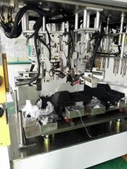 汽车行李箱侧饰板焊接机