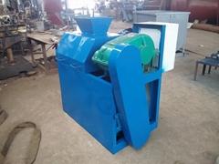 roller granulator for making compound fertilizer