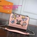 Louis Vuitton TWIST MM chain bag LV shoulder cross body bag POCHETTE METIS purse