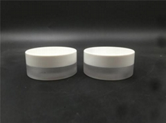 2019 China Competitive Manufacturer cosmetic round jar screw glass bottle 15G