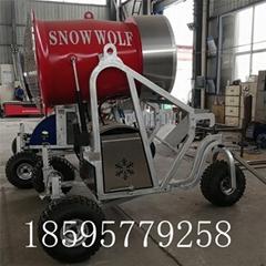 供人工造雪機