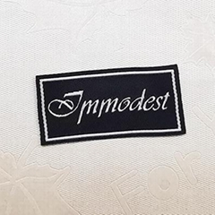 Fashion Customized sewing labels Shirt Bags garment label tag Woven Labels