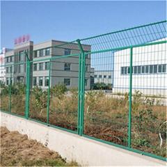 成都AD16框架型鐵絲網圍欄安裝效果