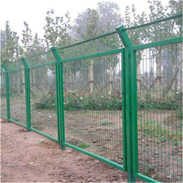浸塑鐵絲網圍欄A成都框架圍欄現貨 2
