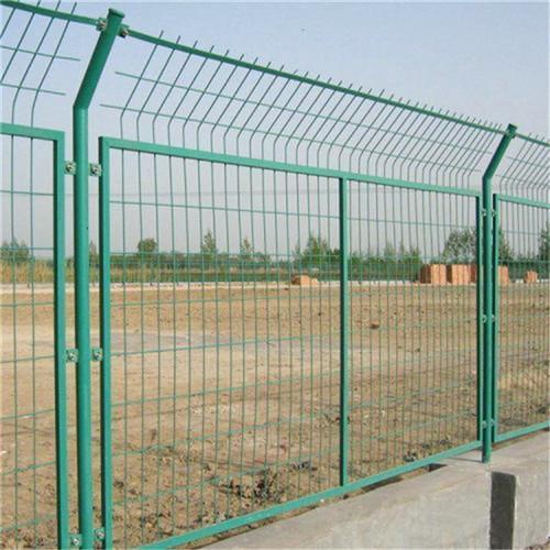 宁波铁路护栏网浸塑钢丝网围栏 4