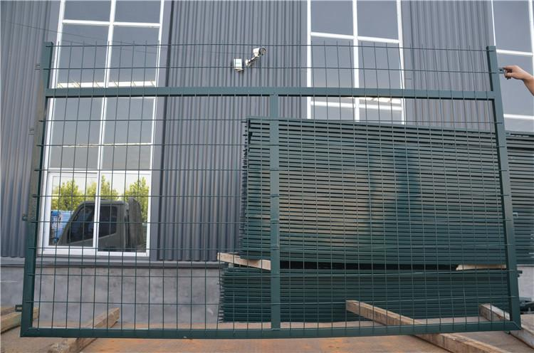 高铁桥下防护栅栏金属网片 电焊浸塑绿网 4