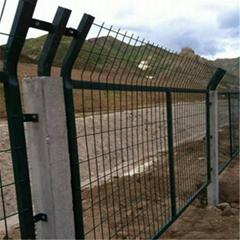 鐵路防護柵欄金屬網片 鐵路隔離柵