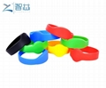 Closed Round Head 125khz LF Swimming Pool RFID Wristband  2