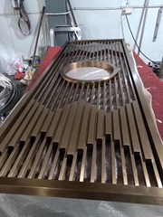 Stainless Steel Mountain screens are piled high for decoration