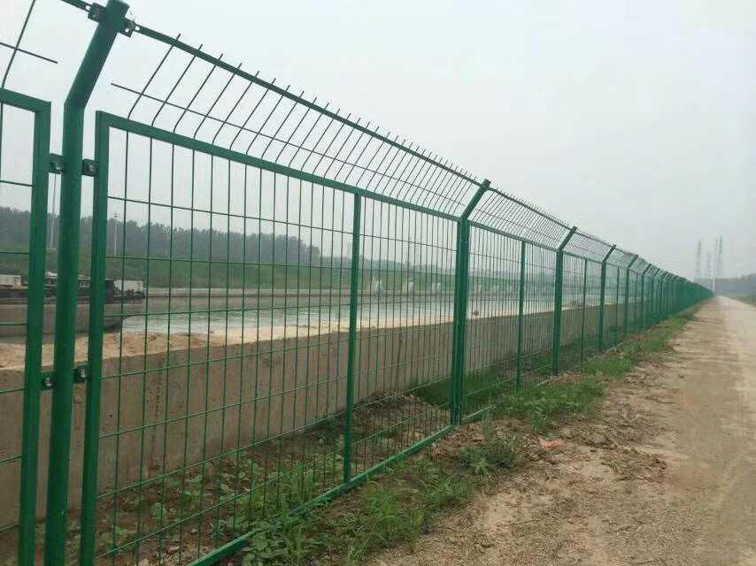 高速公路护栏网厂家直销江苏淮安 2