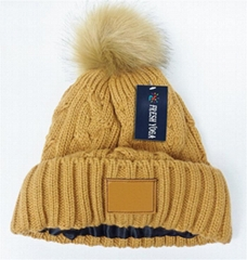 Custom Satin lined leather patch pom pom beanie cable knit thermal winter hat