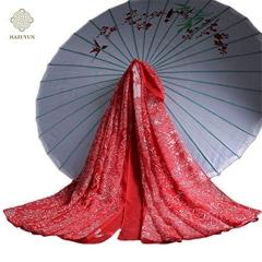 優雅大方的真絲絲巾系法大全
