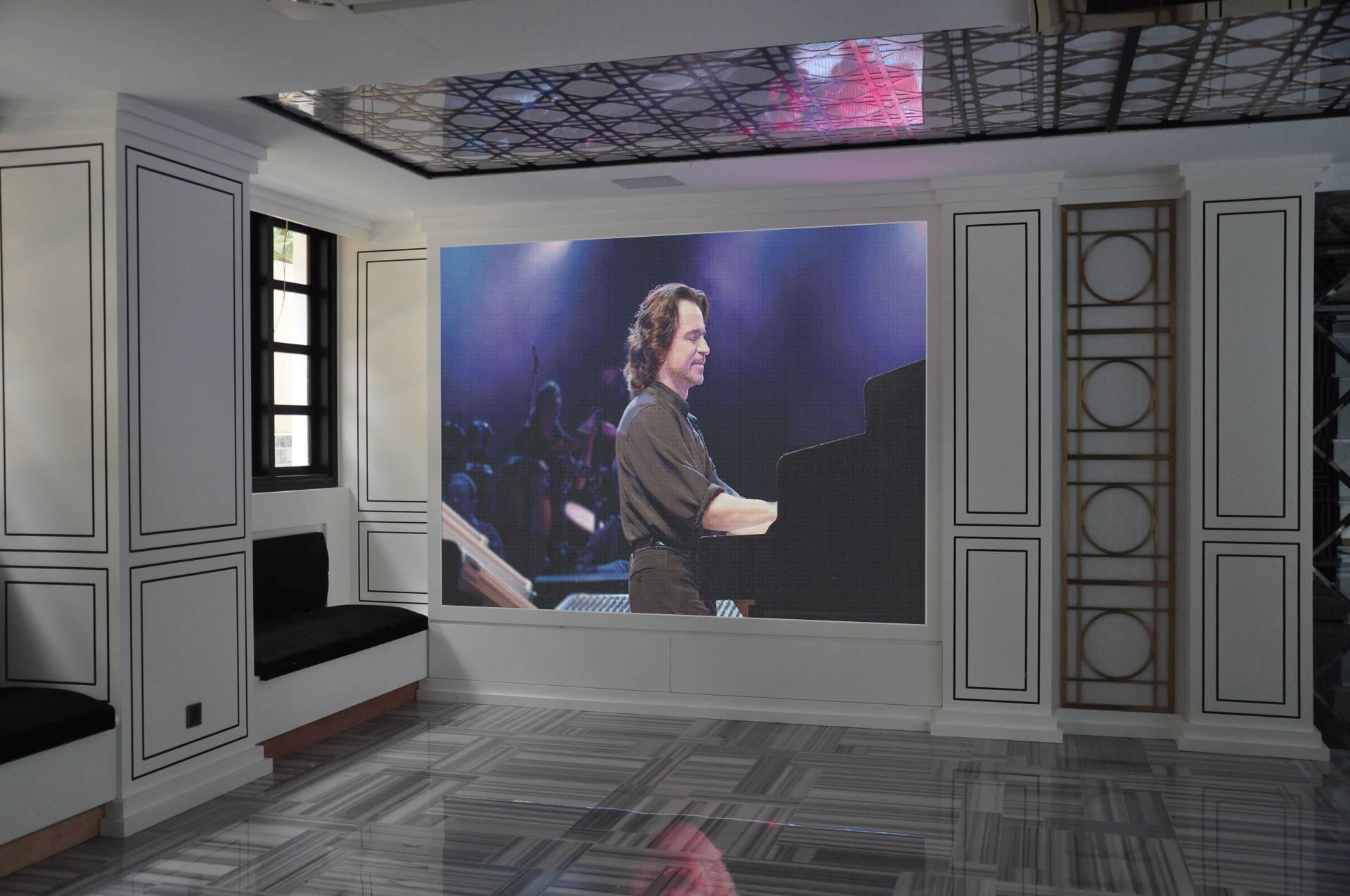 P1.56mm UHD Indoor LED Display Golden Line SMD Technology Lamp LED Video Wall  2