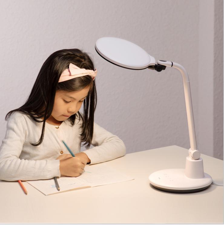 國AA級護眼學習臺燈 2