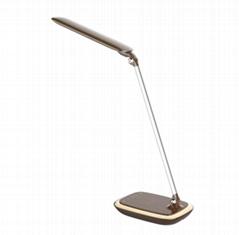 觸摸式五檔調光智能無線充護眼臺燈