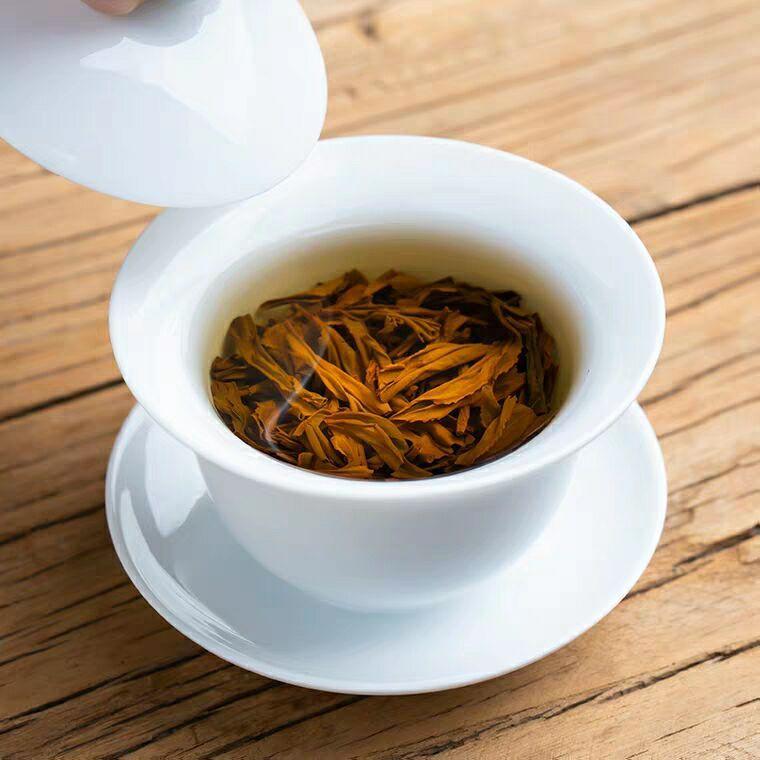 Wuyishan super black tea Zhengshan small tea 3
