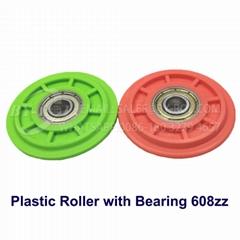 Popular Plastic Bearing Roller in White Green Red