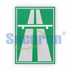 Reflective traffic signs noctilucence