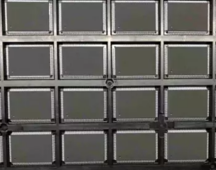 IC芯片打磨喷油刻字编带激光打字 2