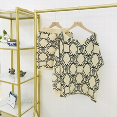 經典秋款圖案印花針織上衣和A字裙套裝