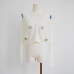 白色v领长袖针织短毛衣女女士