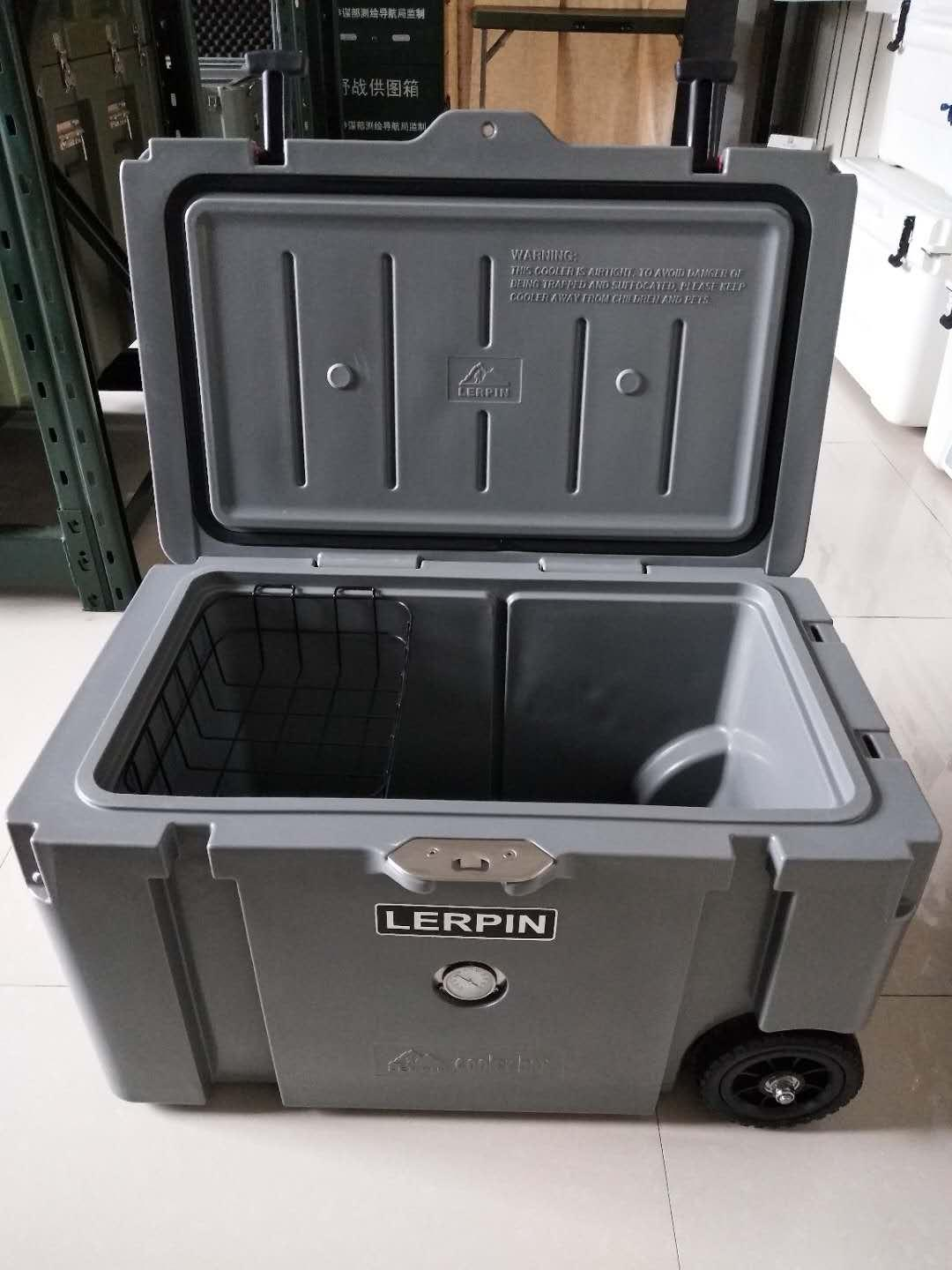 2020 New style 70QT Trolley Wheeled ice cooler box rotomolded cooler box 5