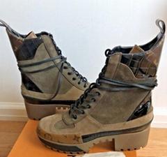 Louis Vuitton Reverse Monogram LAUREATE PLATFORM DESERT BOOT LV boots women (Hot Product - 1*)