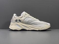 YEEZY 700 BOOST ANALOG Cheap        runner sneaker shoes
