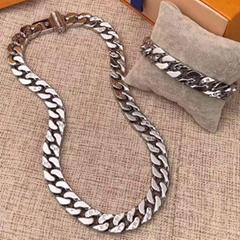 Chain Links Monogram Necklace M68272 Si  er metal Engraved