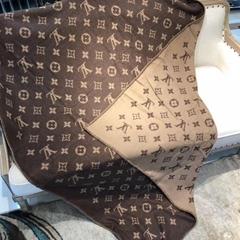 Louis Vuitton Neo wool cashmere Monogram Blanket LV M70439 shop desinger LV sale