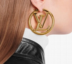 Louis Vuitton LOUISE HOOP EARRINGS LV Embossed LV Circle earrings