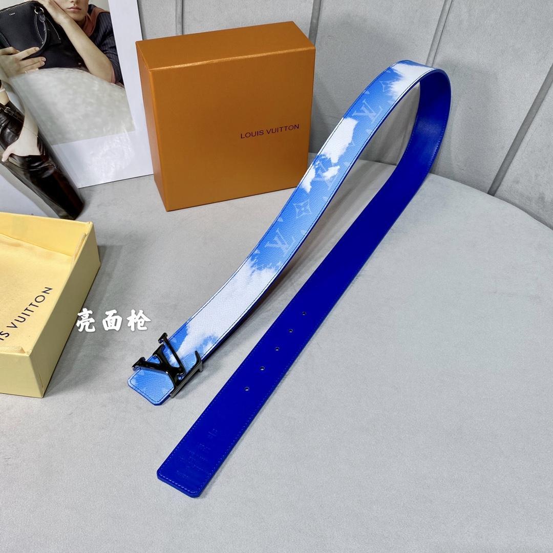 Louis Vuitton LV Shape Reversible Belt Clouds