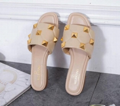 Garavani Roman Stud flat sandals Women studded slide slippers (Hot Product - 1*)