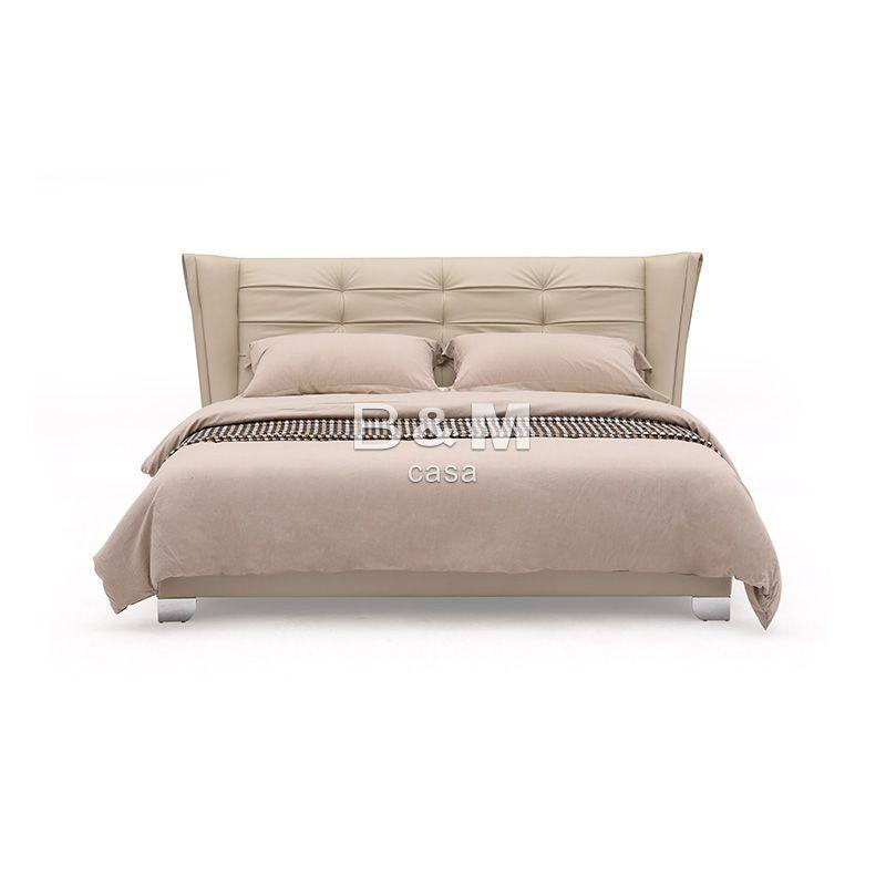 Bed With Unique Headboard   modern leather king size bed  1
