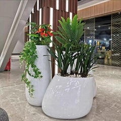 重庆雕塑厂家玻璃钢花箱仿真动物景观小品定制