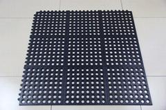 interlocking rubber floor with drainage holes
