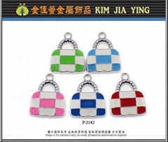 彩色手提包金屬吊飾